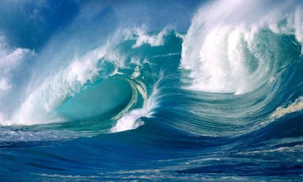High waves in sea