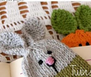 http://twinsknit.blogspot.com.es/2013/02/bunny-bookmark-free-knitting-pattern.html