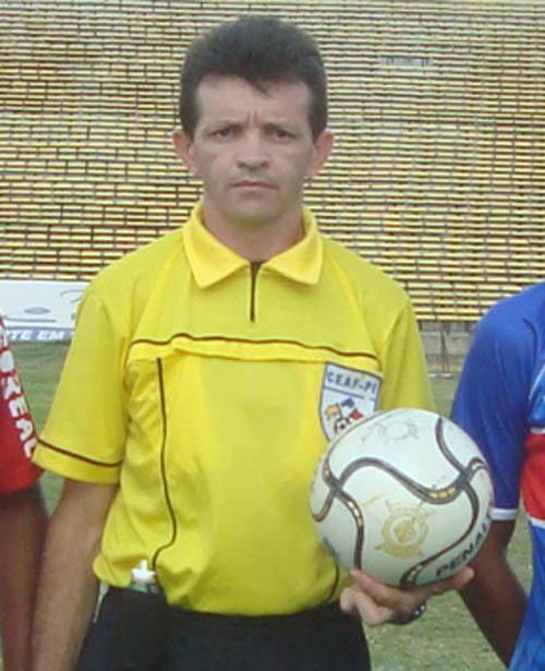 Resultado de imagem para árbitro Antônio Santo Nunes