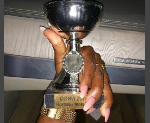 Fella Makafui flaunts Medikal's 'promise ring'