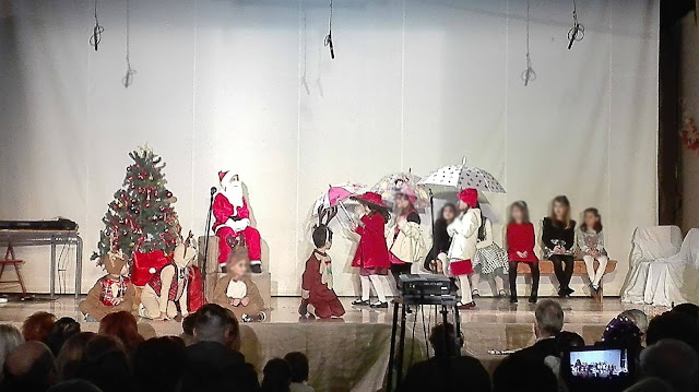 Εκπληκτική η Χριστουγεννιάτικη γιορτή του 1ου Δημοτικού Σχολείου Άργους