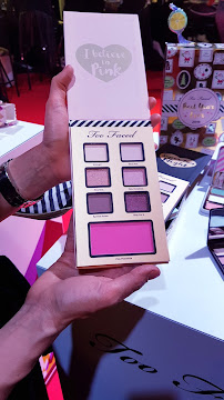 regali di natale sephora - palette i belive in pink too faced too faced_01