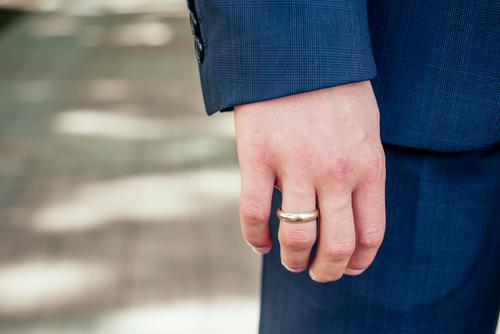 Men's Wedding Bands: How To Choose One For Your New Husband