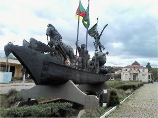 La Nave degli Imigrati e Villa La Rotonda, na Via Gênova, em Serafina Correa