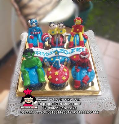 Cupcake Ulang Tahun Anak Kembar Tema Avengers