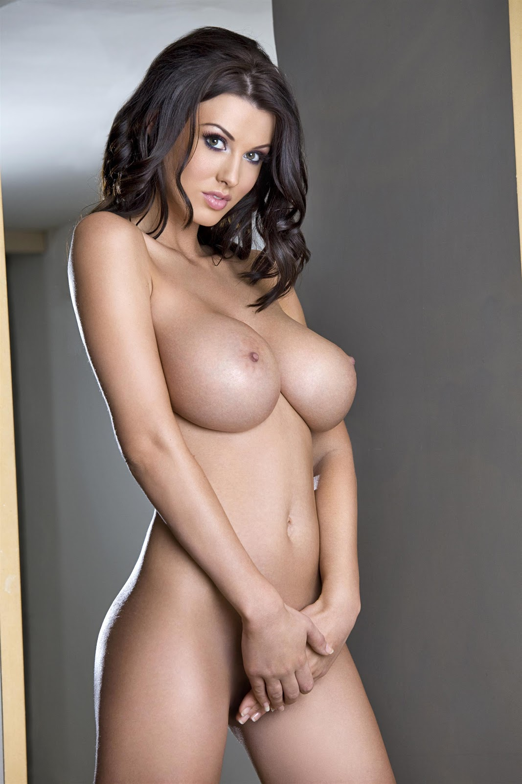 Busty Women Sexy