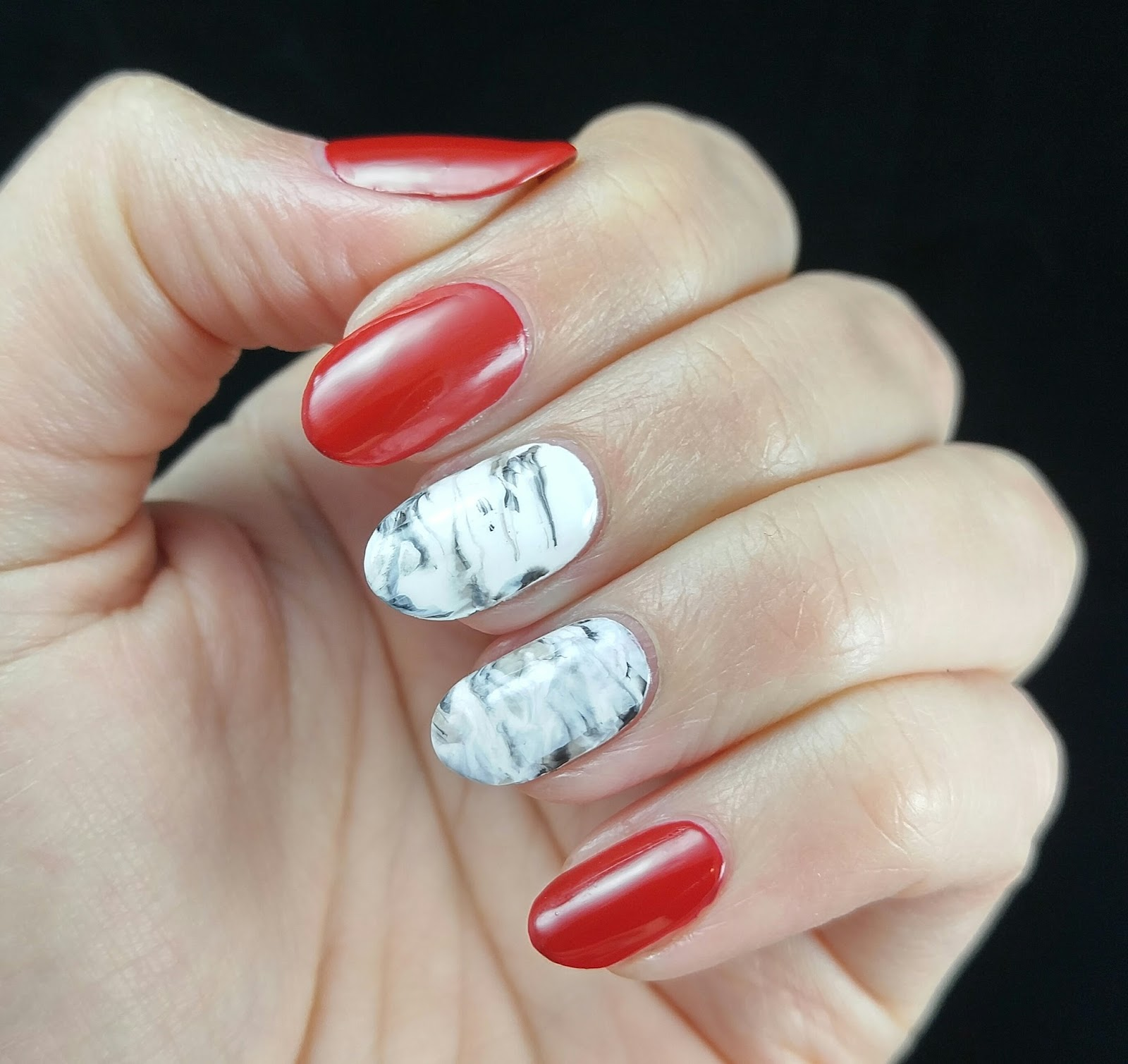 Nerdy for Nails: Christmassy Marble Nails