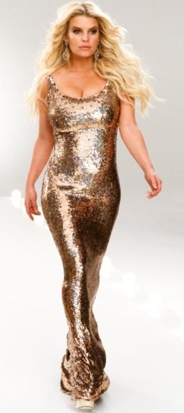 Foto de Jessica Simpson con vestido dorado