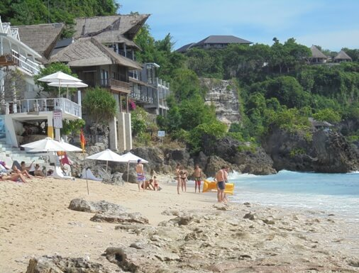 This beach contain a panoramic stance of high cliffs BeachesinBali: Bingin Beach On The Bukit Peninsula - Pecatu, Bali