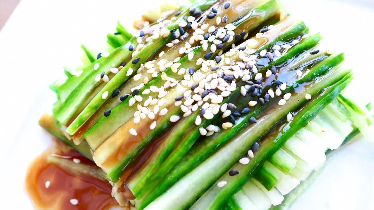 how to make cucumber salad sushi
