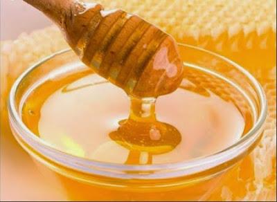 Trị nám da tàn nhang bằng mật ong và chanh