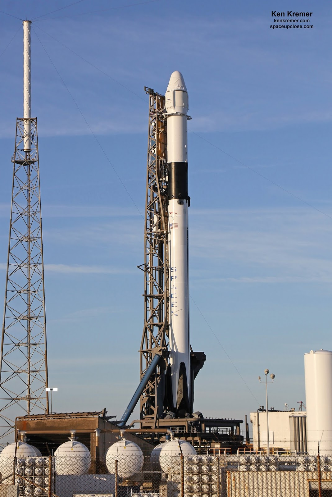 Space UpClose: SpaceX, NASA Set for Dragon Commercial Cargo