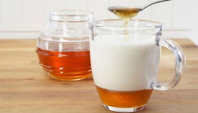 Inilah Enam Manfaat Konsumsi Susu Yang Dicampur Madu Untuk Kesehatan