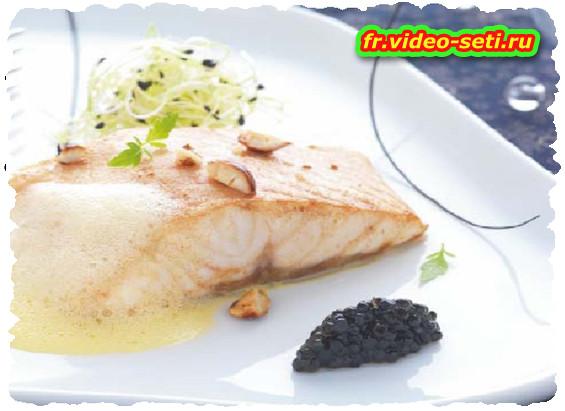 Esturgeon aux noisettes grillées, sabayon beurre noisette et quenelle de caviar