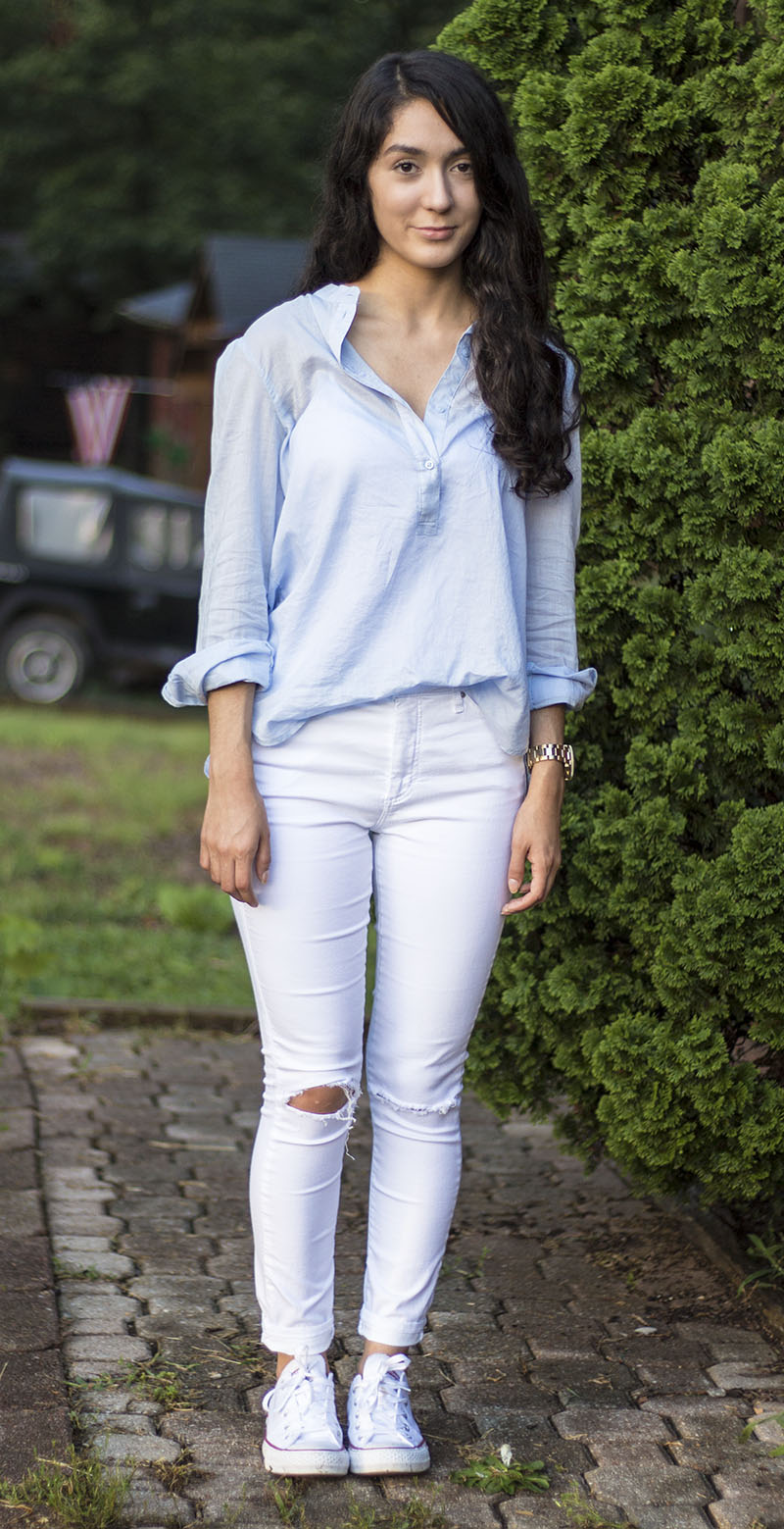 light blue button up and white jeans with converse