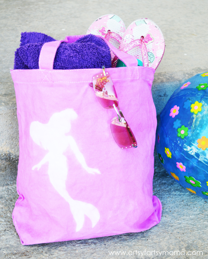 DIY Mermaid Beach Bag at artsyfartsymama.com #summer #RitDye #Elmers #Cricut