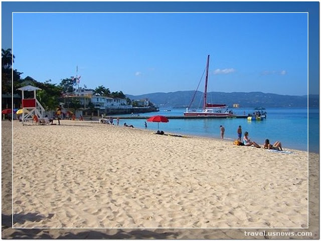 Doctor's Cave Beach - Montego Bay - Top 7 Best Places to Travel in Jamaica at Least Once in Your Life Time