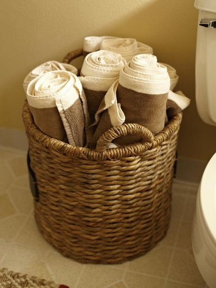 Cheap and Creative Storage Ideas for Small Bathrooms 8