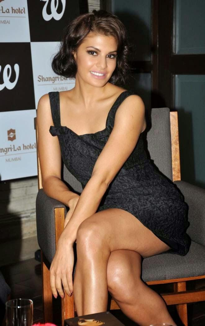 Jacqueline Fernandez hot thigh