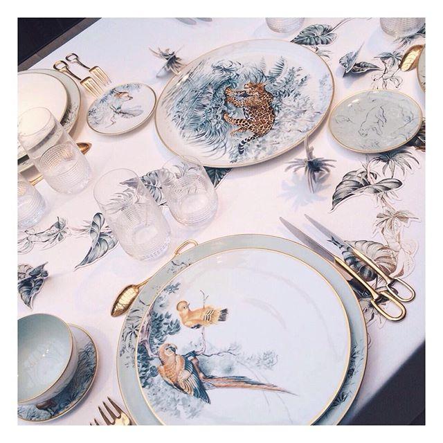 ebbaff3c5f8 Chega a nova coleção de porcelanas da HERMES com os desenhos de ROBERT  DALET realizados durante viagem pelas América do Sul e África.