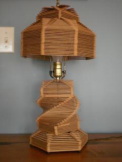 lampu cantik yang terbuat dari stik es krim