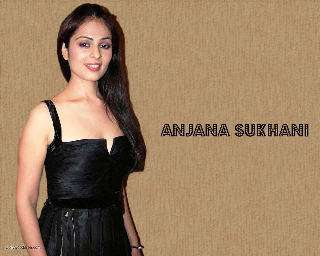 Nangi Indian Actress Sexy Wallpaper - Bolly Actress Pictures-1146
