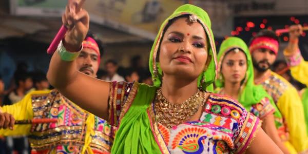 राजवाडा गरबोत्सव में शक्ति एवं भक्ति की बह रही निर्झरिणी