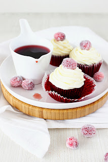 Red Velvet cupcakes met cranberries
