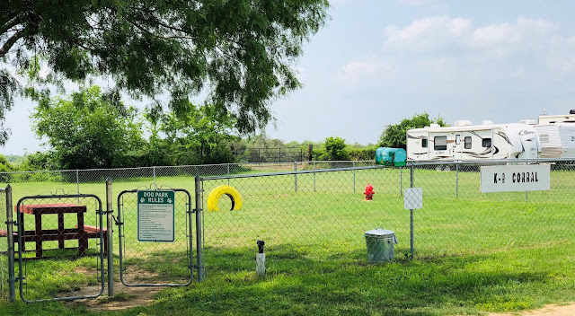 Do It Yourself Home Design: Hidden Valley RV, A Little Piece Of Country In San Antonio