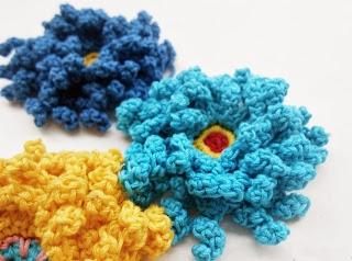 Tığ işi Kıvırcık Çiçek Modeli 2