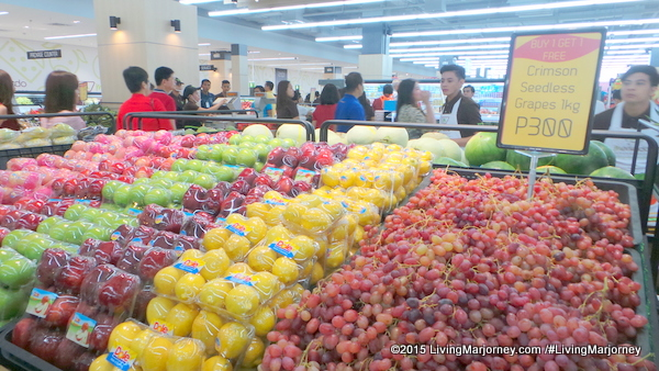 What's Inside Merkado Supermarket In UP Town Center