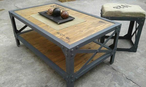 Muebles reciclados en hierro y madera