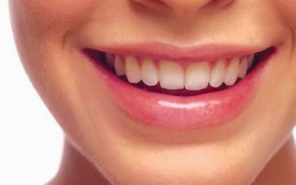 Nak bibir merah semulajadi? Cuba petua ni.