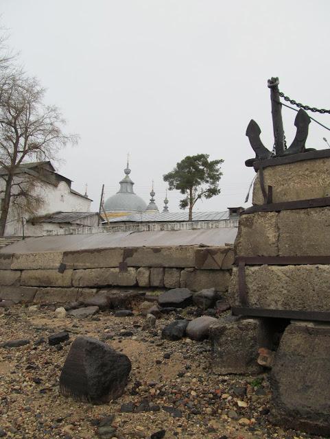 Набережная  реки Кубены в селе Устье