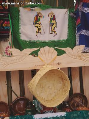 Muebles Artesanales de Madera: Trastero de Cuanajo