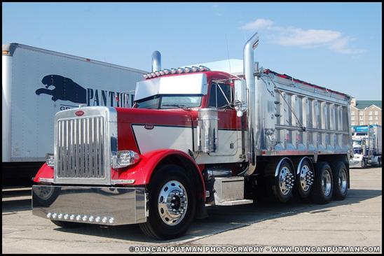 Peterbilt 379 pulling a livestock trailer