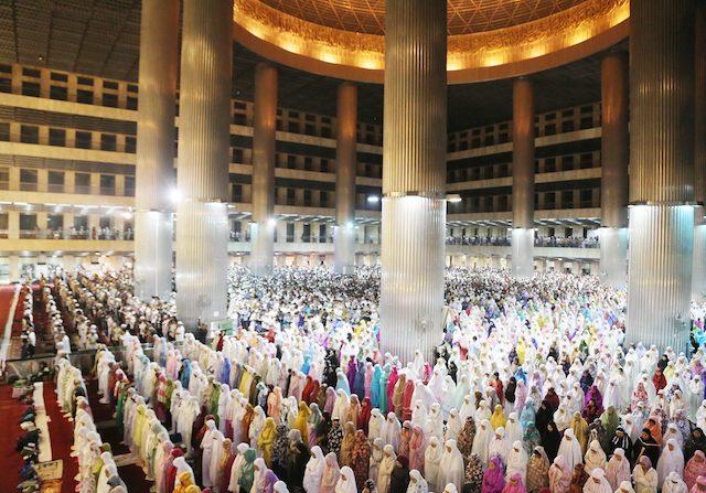 Tarawih di Masjid atau di Rumah Bagi Wanita, Mana Lebih Utama?