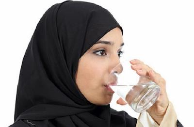 Memperbanyak Mengkonsumsi Air Putih
