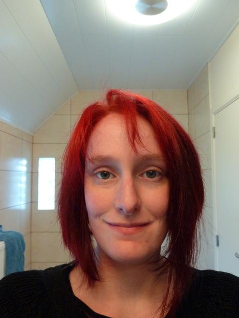 goths are smiling people crash test red hair de colorista. Black Bedroom Furniture Sets. Home Design Ideas