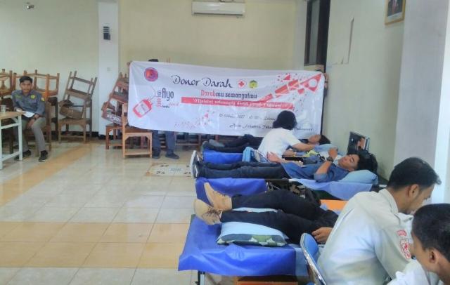 Milad Ke-10 MRC, Puluhan Civitas Akademik UPRI Donorkan Darah