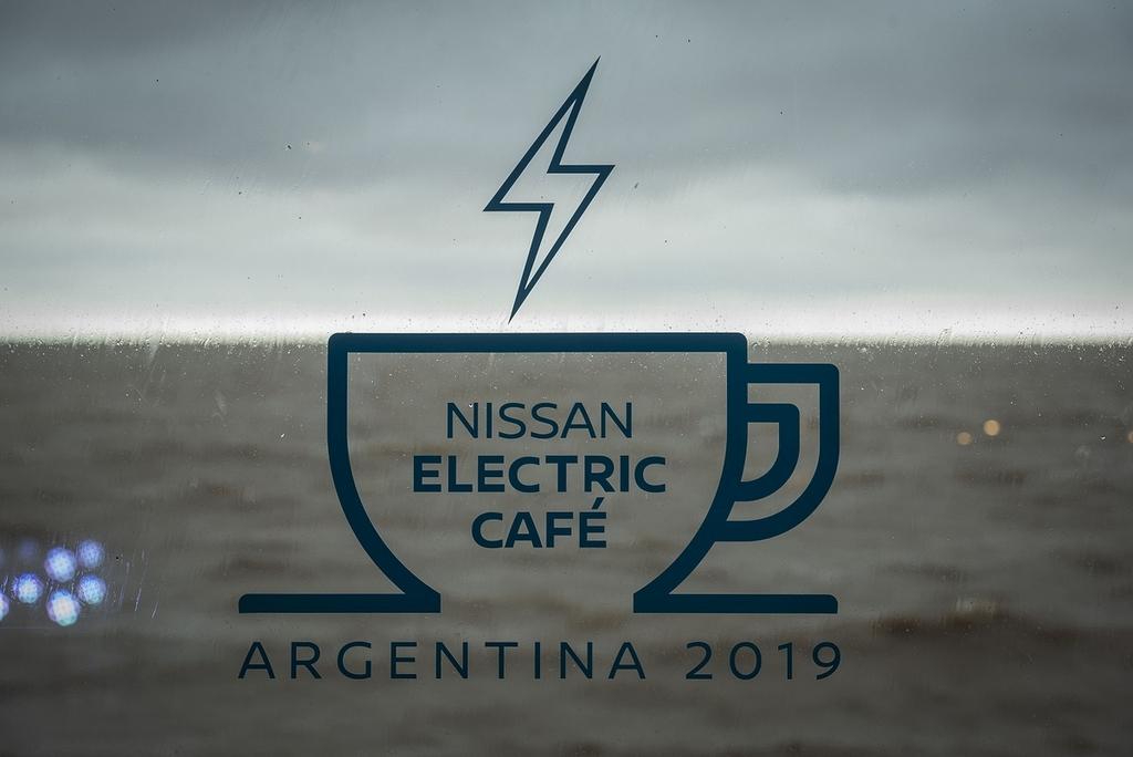 Nissan Electric Café llegó a Argentina