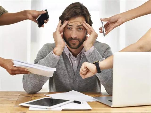 6 طرق تعينك على تحمل ضغط العمل