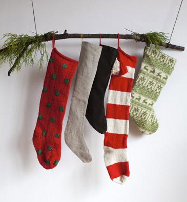 10 Alternative Ways To Hang Stockings Through The Front Door