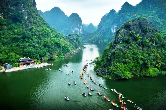 Train - bus - taxi from Hanoi to Ninh Binh