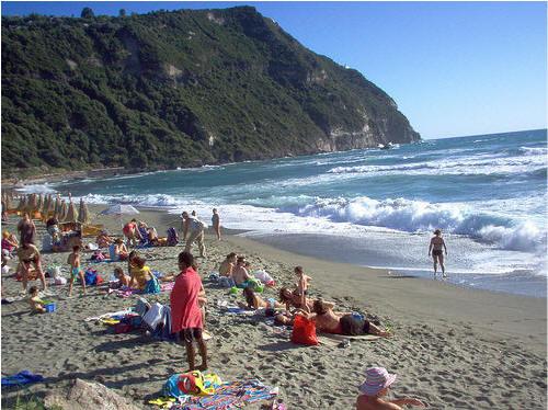 Appartamenti ischia la spiaggia di citara for Appartamenti ischia
