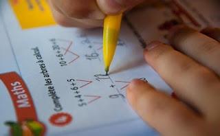 Puisi Pendidikan Teorema Cinta Karya Moch. Romadhon Munthoyib Al-Zein