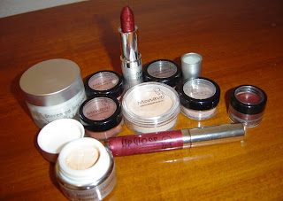 Monave Mineral Makeup ten product assortment.jpeg
