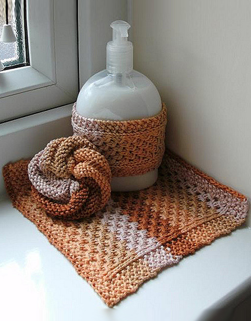 Lace Mesh Wash Cloth/Dish Cloth - Free Pattern