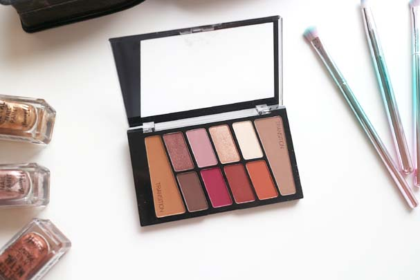 Wet n Wild Eyeshadow Palettes - Rose in The Air | The Beauty is a Beast