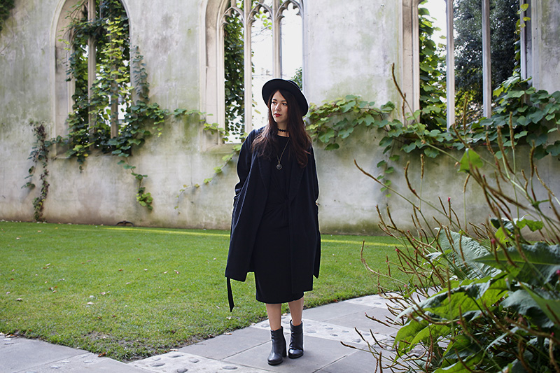 London street style, ootd,outfit, uk blogger, halloween, witch, casual, christian lacroix purse, topshop,